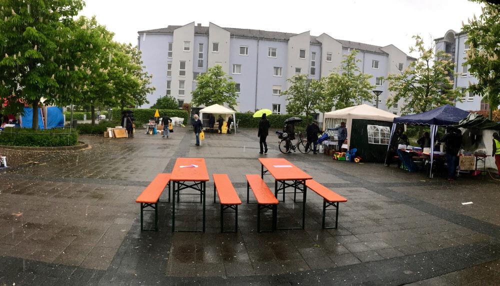Verregneter Flohmarkt 2019. Foto: Werner Bloedt