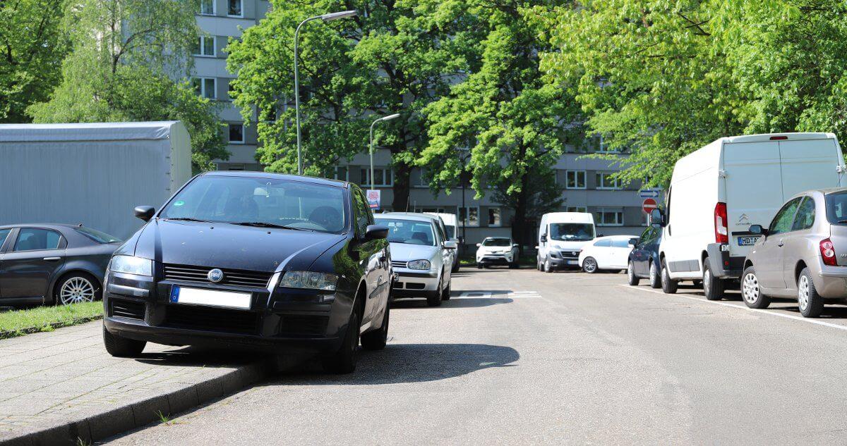 Reizthema: Gehwegparken in Oberreut
